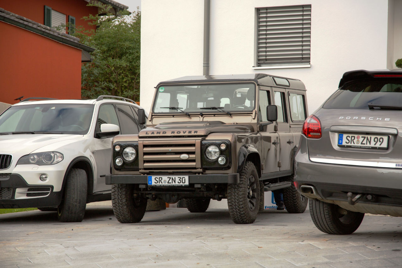 Land Rover Defender Rough II
